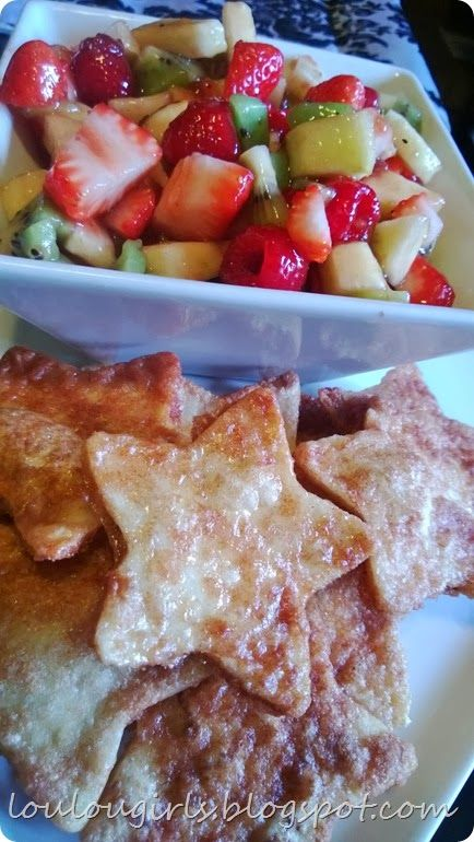 Lou Lou girls : Fresh Fruit Salsa with Cinnamon Sugar Chips