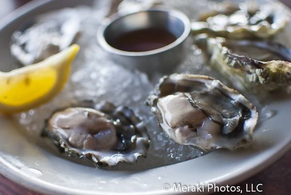 eating oysters - photo #25