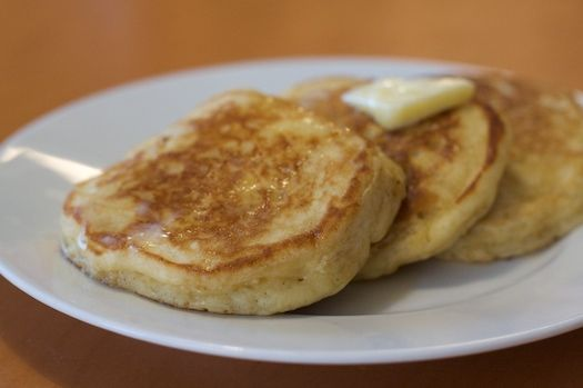 Eggnog pancakes | *** HOLIDAY FOOD & DRINK *** | Pinterest