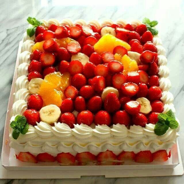 Beautiful Fruit Cake Images : Beautiful cake with fruit toppings Delightful cakes ...