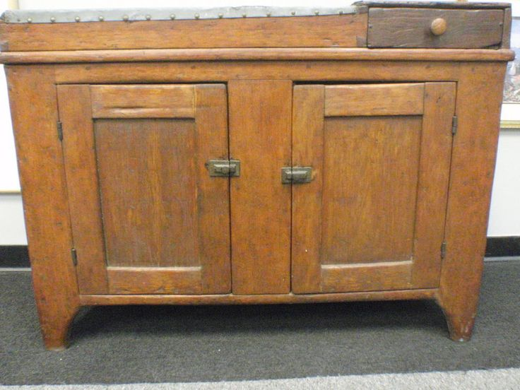 Dry Sink : 1700s Dry Sink--- Exceptional Quality & Detail #