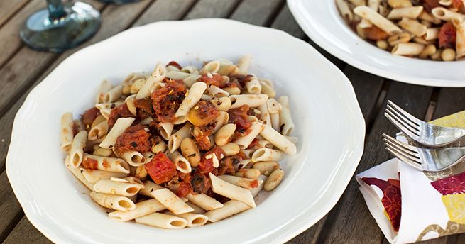 Roasted Tomato and Cannellini Bean Pasta | Recipes | Pinterest