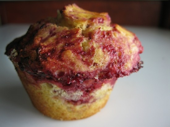 Strawberry-Rhubarb Muffins Looks yummy! | Pie Plant (Rhubarb) | Pint ...