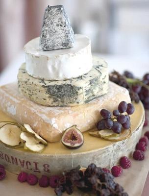 04 - Rustica y artistica composición de quesos