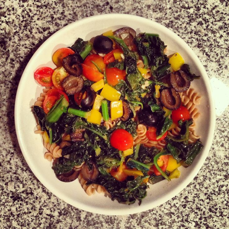 Veggie pasta - whole wheat corkscrew pasta, steam kale and/or spinach ...