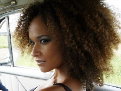 7 SUPER EASY TUTORIALS ON STYLING YOUR AFRO CURLS …