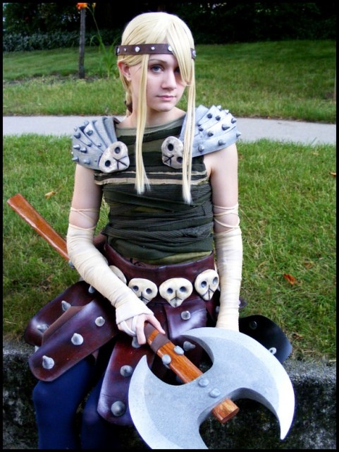 how to train your dragon 1 astrid costume