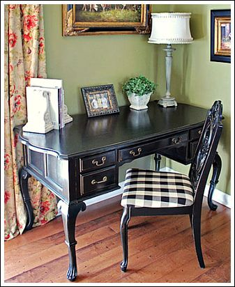 Blog author found this desk and chair at a flea market for $100.  What great luck!!
