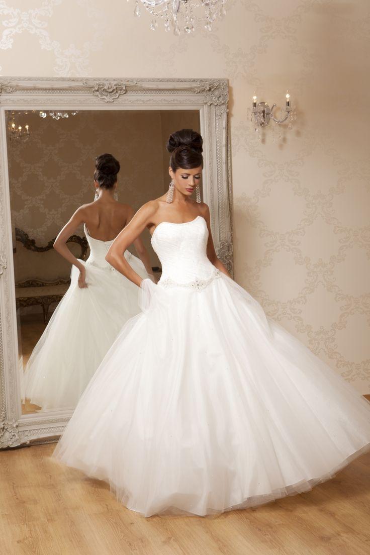 Eleganza Sposa Wedding Dresses 27