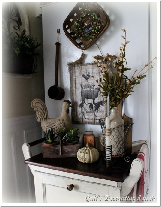 Farmhouse vignette decorating 3 pinterest for Decor vignette