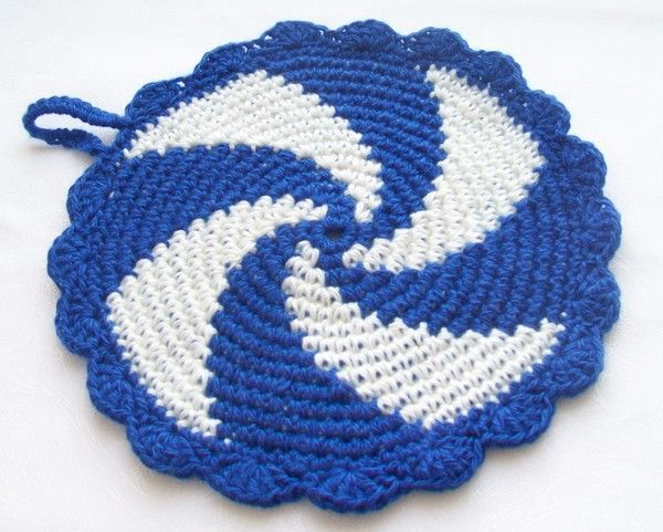 Crocheting A Circle : In a circle! Knit crochet Crocheted rugs/Mats/Tapete Pinterest