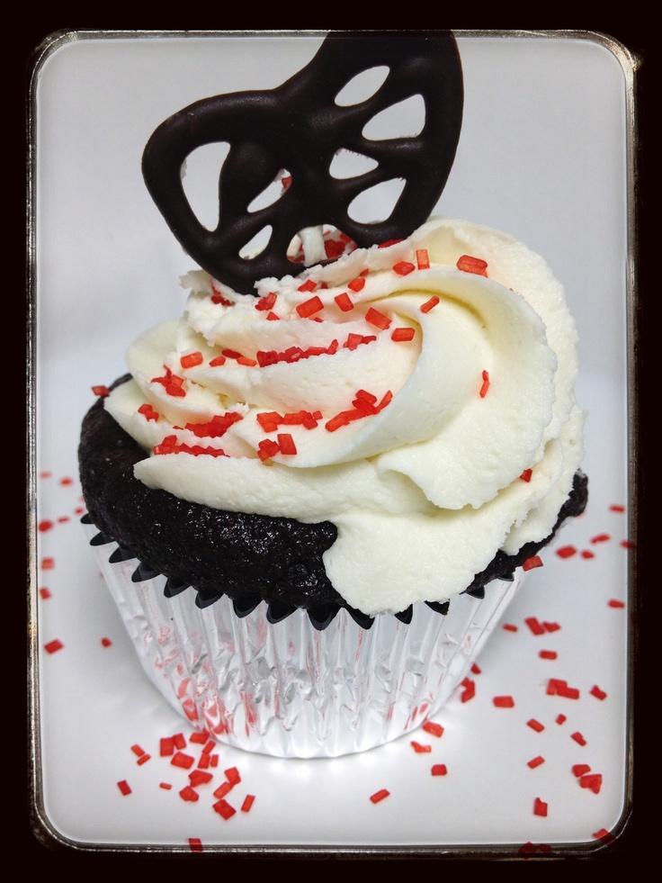 bake a valentine's day cake