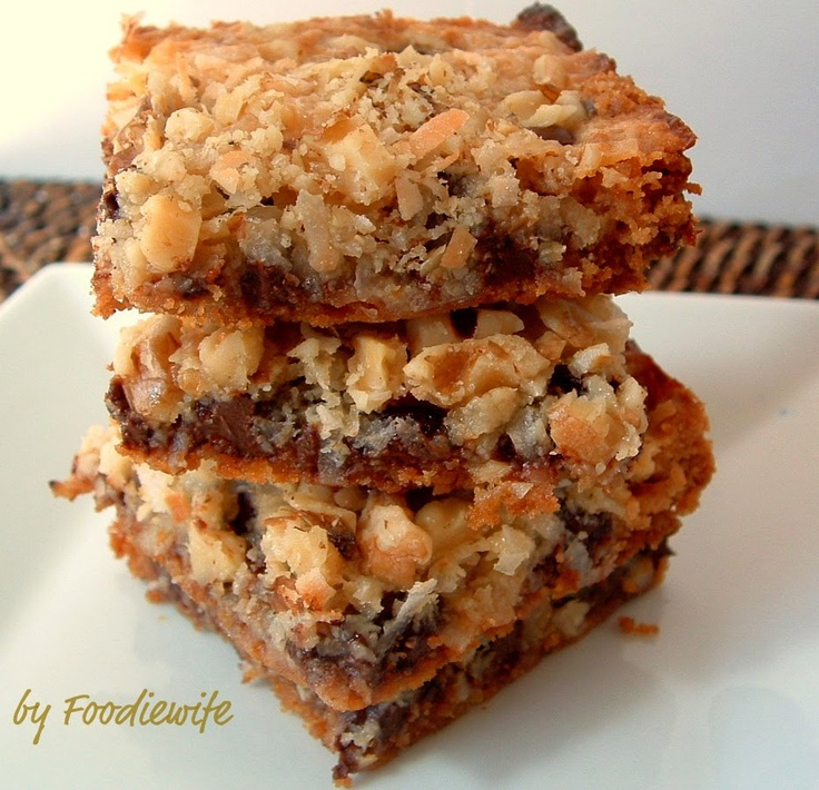 """Feast for the Eyes: """"Hello Dolly"""" Magic Cookie Bars"""