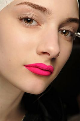 CHIC JORDAN l matte lip l hot pink
