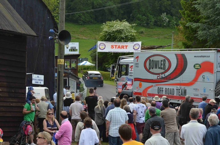 Crowds watch the Bowler EXR S and Support Truck take to the hill    Cool Race Trucks
