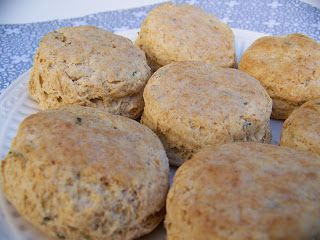 ... Breads: Rosemary-Butter Biscuits | Panes y otras masas/ bread a