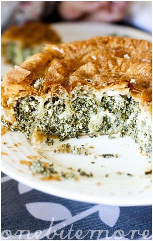 swirly spanakopita pie   FOOD ~ Veggies For Dinner ~ Meatless Main Di ...