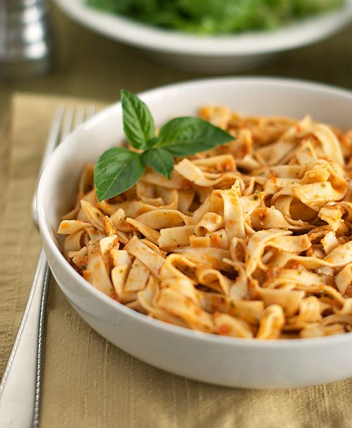 Pasta with Tomato and Almond Pesto | Mmmm, feed me! | Pinterest