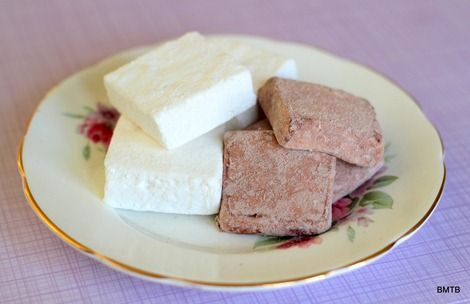 Marshmallows chocolate and vanilla | Dessert | Pinterest