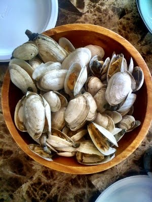 Soft Shell Clams (Steamers) With Garlic Butter Recipe — Dishmaps