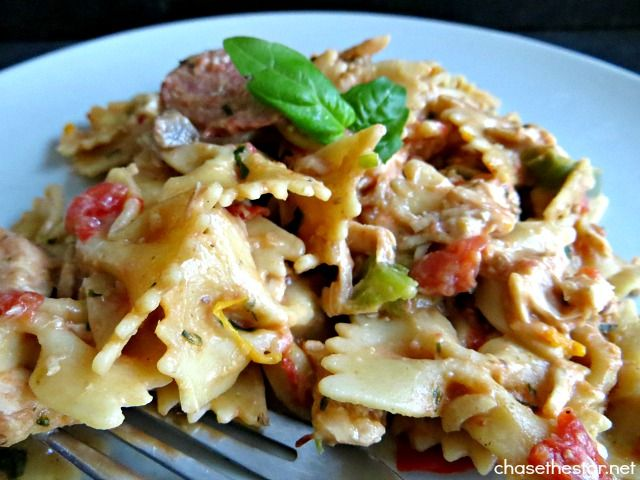 Easy Recipe For Italian Sausage, Tomato, And Macaroni Soup With Basil ...