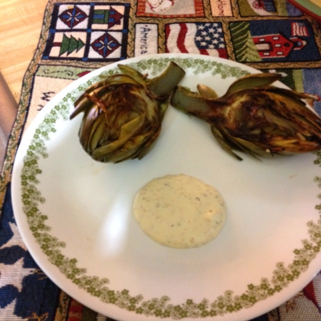 Grilled artichoke with homemade garlic aioli