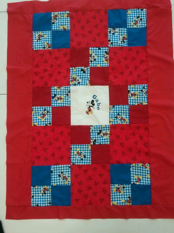 Mickey Mouse   Baby Quilts   Pinterest