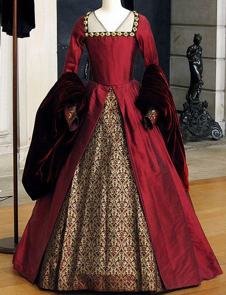 Red tudor gown old fashion clothing pinterest for Tudor style wedding dress