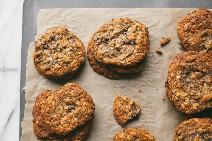Cardamom fig chocolate coconut oatmeal cookies | Recipe
