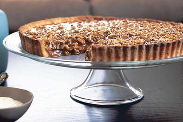 Walnut caramel tart | Baking: Desserts | Pinterest