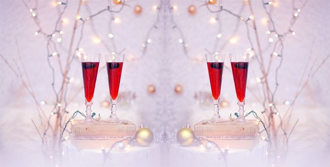 Holiday Berry Champagne Cocktail | ®ouge ♛ ®ed | Pinterest