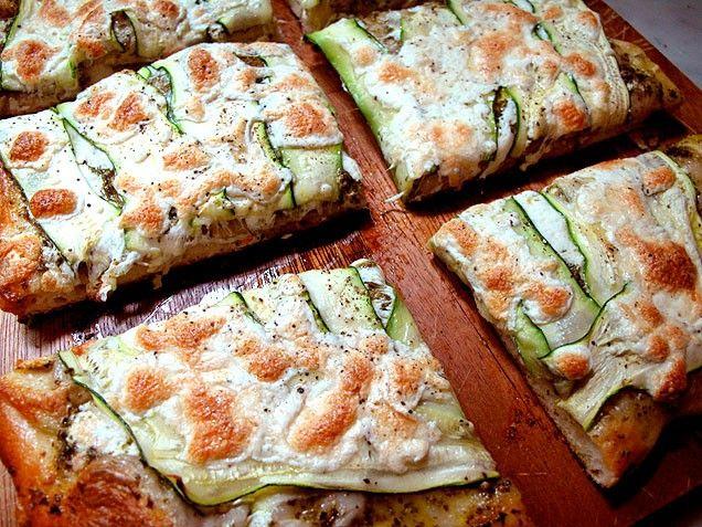 Zucchini-Pesto Pizza | Pizza Pizza and More Pizza | Pinterest