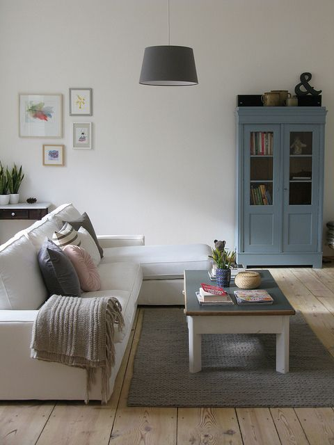 The living room by Lillian Day, via Flickr