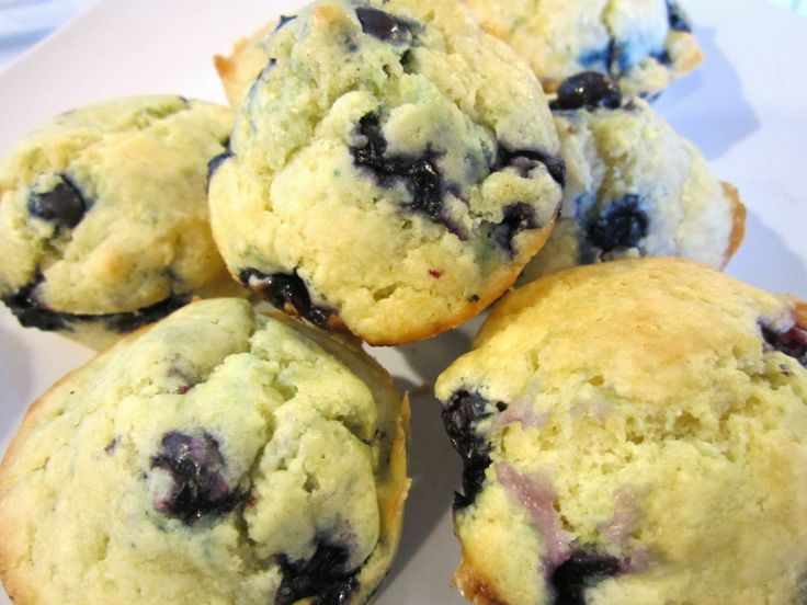 Blueberry muffins! Look awesome! Gluten free option, low fat option ...