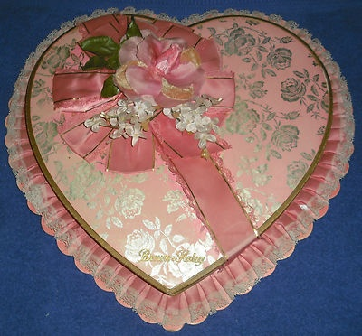 valentine day candy box in 1861