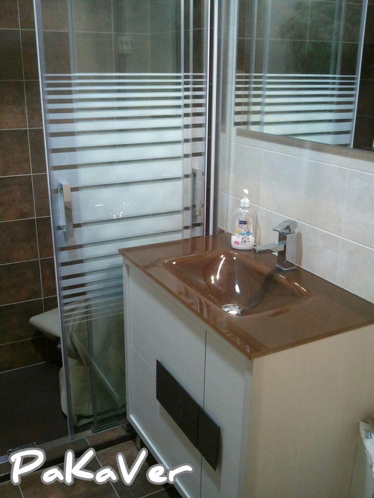 Baño Reformado Ducha:Baño reformado, plato de ducha, mampara y mueble de baño