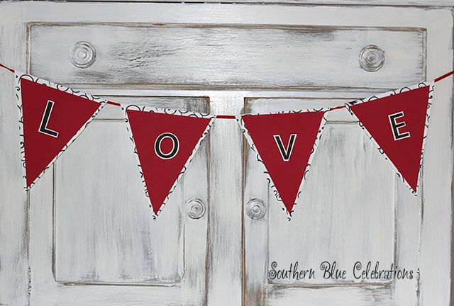 Southern Blue Celebrations: Valentine Triangle Paper Banners: DIY