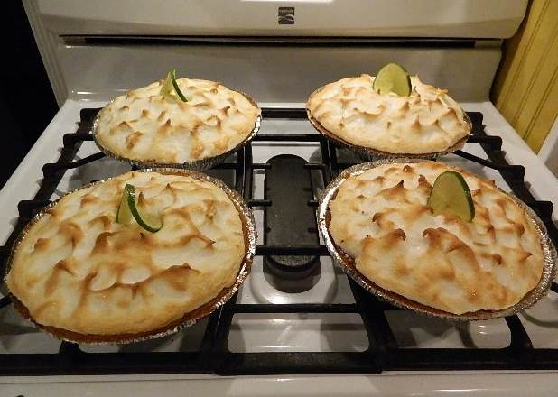 Key Lime Pies with meringue. Yum! | Pies | Pinterest
