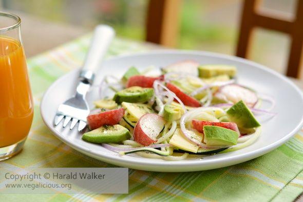 Wild Peach, Avocado and Zucchini Salad | Vegan/to veganize | Pinterest
