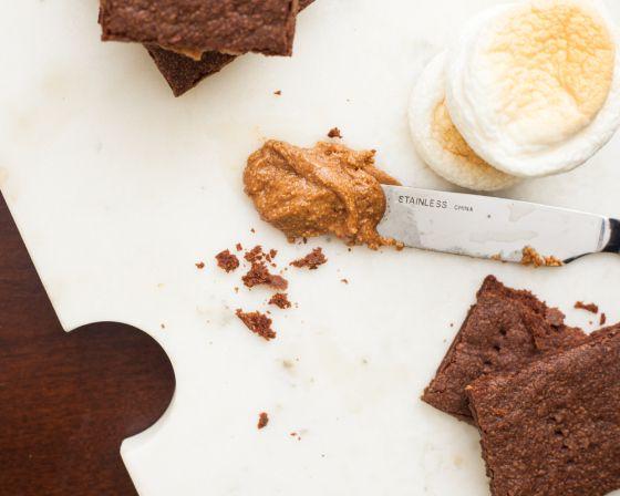 Homemade chocolate peanut butter graham cracker s'mores luv-cooks.com