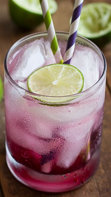 Blackberry Lime Gin Fizz