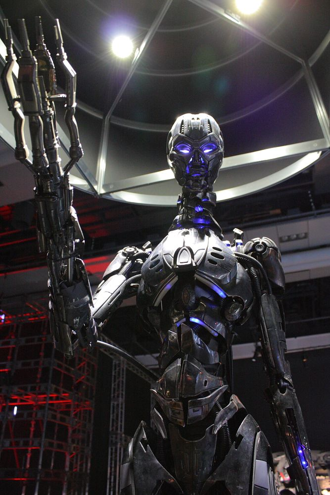 Terminator Robot | Futuristic Look - 109.1KB