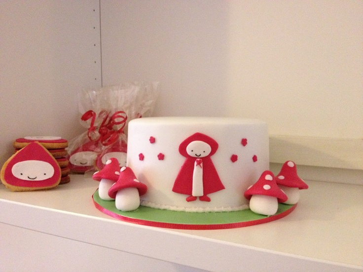 Little Red Riding Hood Cake1600 x 1200 | 356.3KB | www.littlewheelz.com.au   Adorable  i think i will have someone make this for my granddaughters first bithday