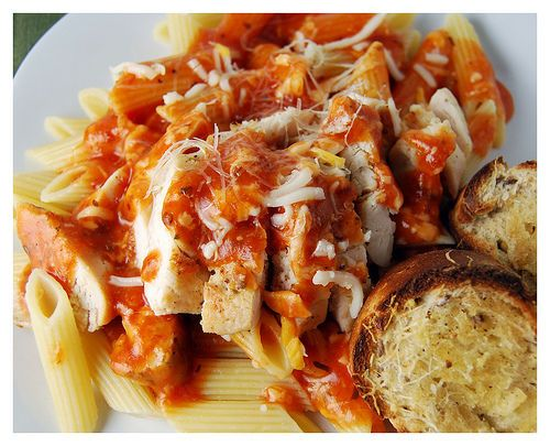 chicken marinara pasta with garlic bread. Visit latenitemeal for more ...