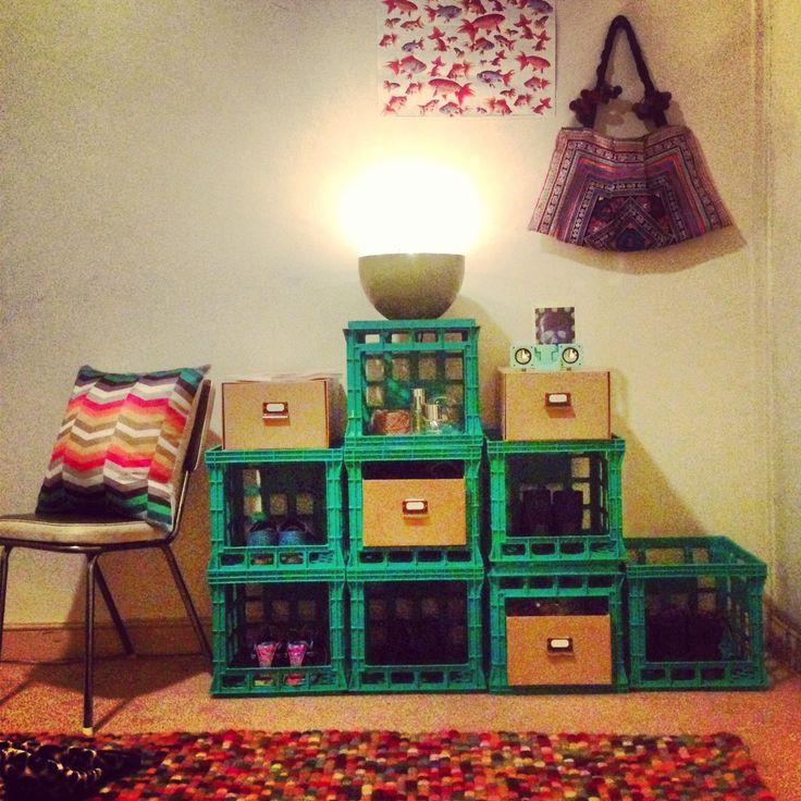 Diy milk crate storage shelf designs pinterest for Decorating with milk crates