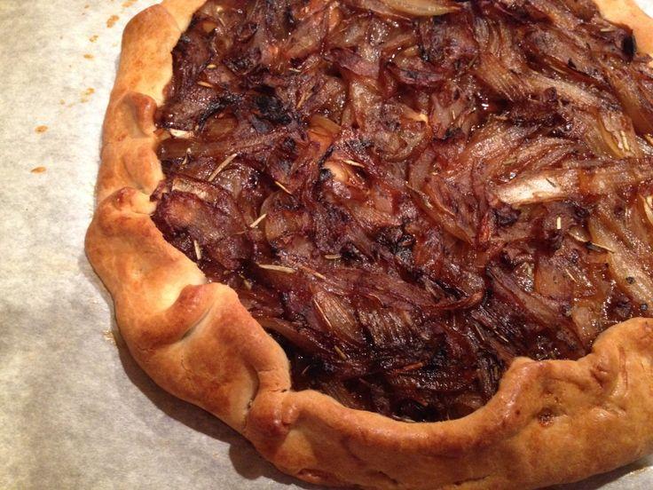 Rustic Onion Tart | Sriracha + Ketchup | food love | Pinterest