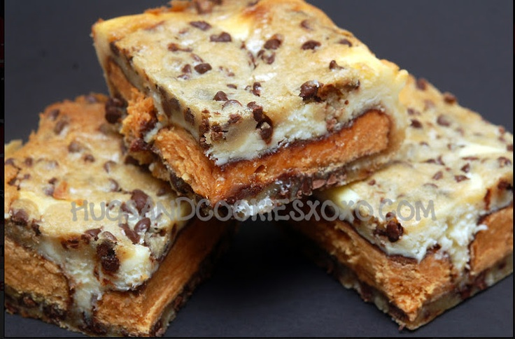 Hugs & CookiesXOXO: Butterfinger & Cookie Dough Cheesecake Bars