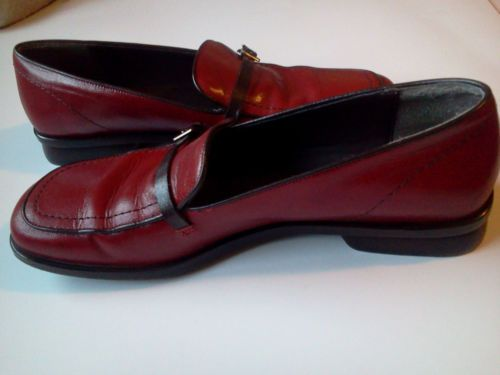 BANANA REPUBLIC Shoes Women's Loafers Slip On Red Buckle Leather sz 7