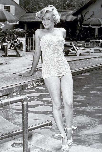 #poolside #vintage #swimsuit