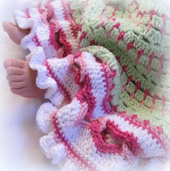 Crochet Patterns For Round Baby Blankets : CROCHET PATTERN - Baby Love - a round baby blanket with ...